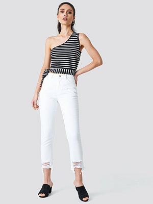NA-KD Ripped Hem Jeans vit