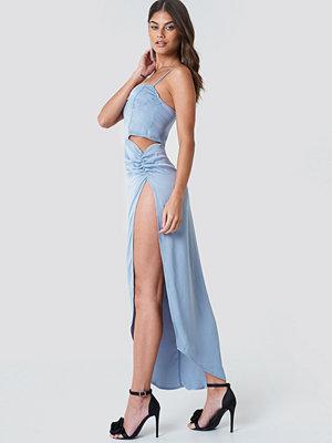 Galore x NA-KD Cut Out Long Slit Dress - Festklänningar
