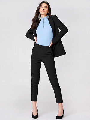 NA-KD Classic svarta byxor Straight Suit Pants