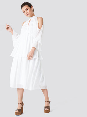 Trendyol Deco Shoulder Detailed Midi Dress - Midiklänningar
