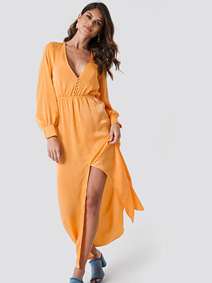 Andrea Hedenstedt x NA-KD Front Button Maxi Dress orange