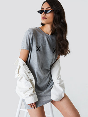 NA-KD Double X T-shirt Dress - Miniklänningar
