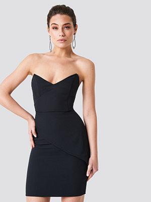 Trendyol Strapless Little Black Dress svart