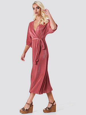 Rut & Circle Lola Plisse Kimono - Långklänningar