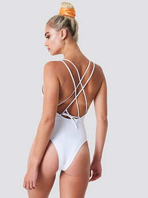 NA-KD Swimwear Double Cross Strap Swimsuit vit