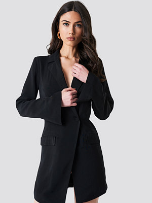 NA-KD Classic Asymmetric Blazer Dress svart