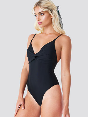 Baddräkter - NA-KD Swimwear Twisted Knot Swimsuit svart