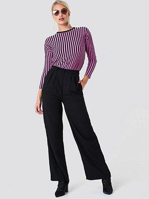 NA-KD Trend svarta byxor Wide Pants