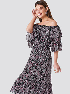 NA-KD Boho Off Shoulder Flounce Maxi Dress multicolor