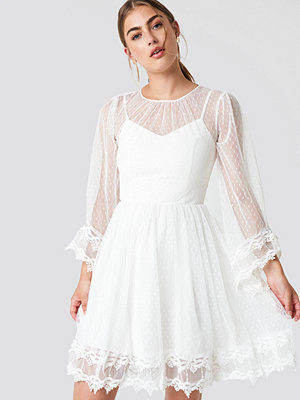Trendyol Trumpet Sleeve Lace Dress - Festklänningar