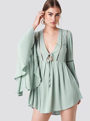 Trendyol Wide Sleeve Mini Dress - Festklänningar