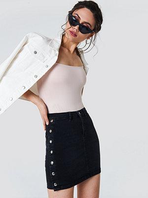 NA-KD Button Up Denim Skirt svart