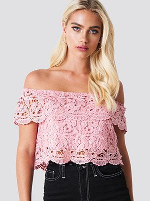 NA-KD Boho Lace Off Shoulder Top rosa