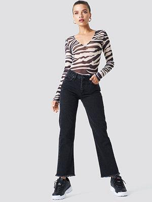 Trendyol Frayed Hem Jeans svart