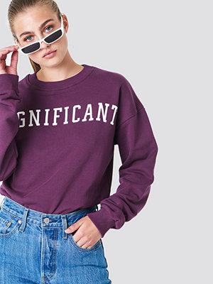 NA-KD Significant Sweatshirt lila