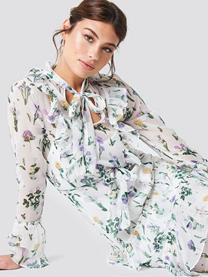 NA-KD Boho Tie Waist Ruffle Maxi Dress - Maxiklänningar