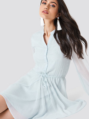 Schanna x NA-KD Wide Sleeve Chiffon Dress - Festklänningar