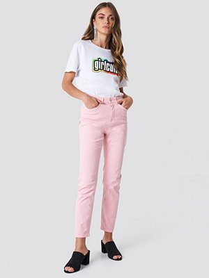 Galore x NA-KD Pink Mom Jeans - Byxor omönstrade