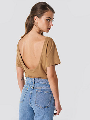 NA-KD Basic Deep Back Tee - Vardag