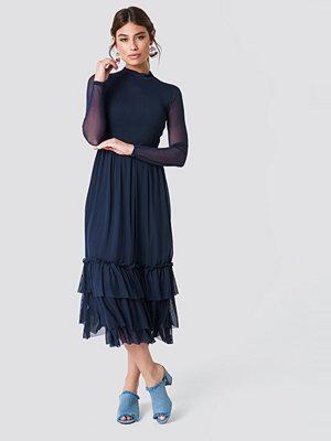 NA-KD Boho Mesh Frill Dress - Midiklänningar