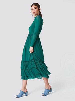 NA-KD Boho Mesh Frill Dress grön