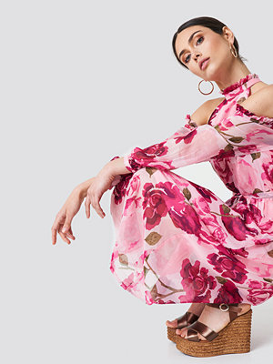 NA-KD Boho Cold Shoulder High Neck Midi Dress rosa