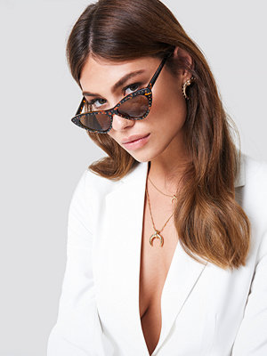 Solglasögon - NA-KD Accessories Studded Cat Eye Sunglasses brun