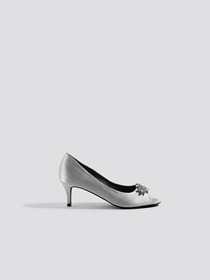 NA-KD Shoes Open Toe Embellished Pumps grå silver