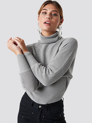 NA-KD Folded Knitted Sweater grå