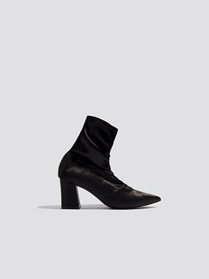 NA-KD Shoes Gathered Front Sock Boots svart