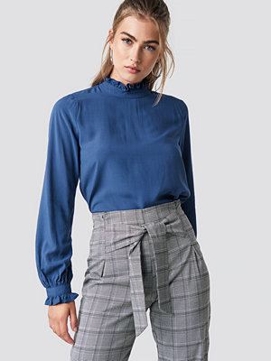Rut & Circle Frill Polo Blouse blå