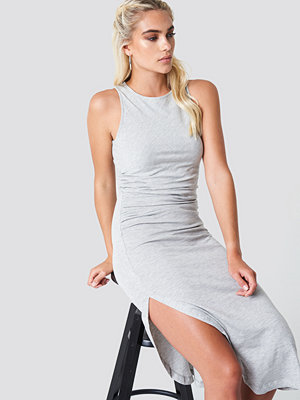 NA-KD Trend Side Ruching Dress - Midiklänningar