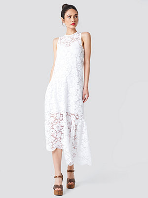 NA-KD Boho Asymmetric Flounce Lace Dress vit