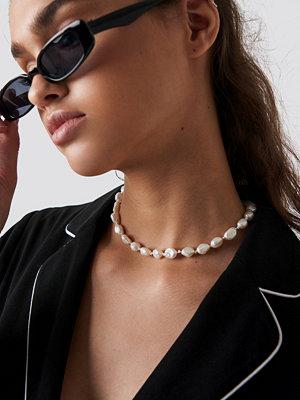 NA-KD Accessories smycke Shell Look Necklace vit guld