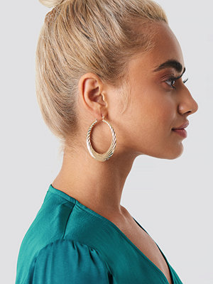 NA-KD Accessories Wave Hoops - Smycken