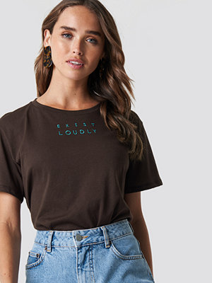 NA-KD Loudly Oversized Tee brun