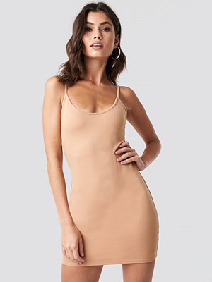 Nicki x NA-KD Thin Strap Bodycon Dress - Miniklänningar