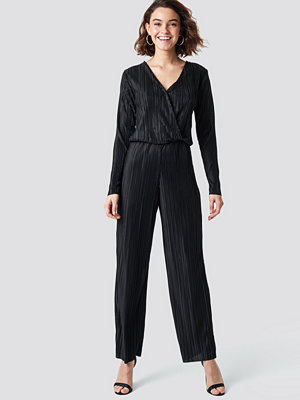 Rut & Circle Pleated Jumpsuit svart