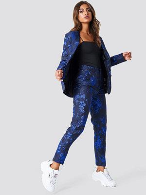 NA-KD Party mönstrade byxor Straight Jacquard Pants svart blå