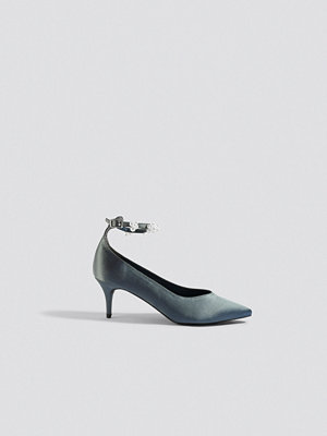 NA-KD Shoes Beaded Ankle Strap Pumps grå