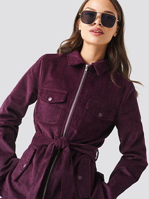 NA-KD Trend Tie Waist Corduroy Blazer lila