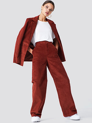 NA-KD Classic mörkröda byxor Corduroy Suit Pants brun