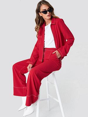 NA-KD Trend röda byxor Contrast Seam Wide Pants röd