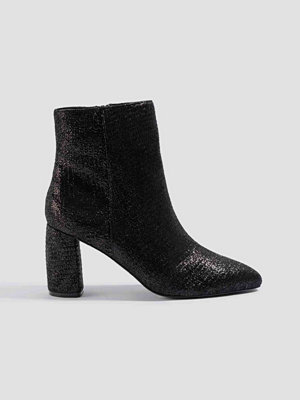 NA-KD Shoes Shimmery Structured Boots svart