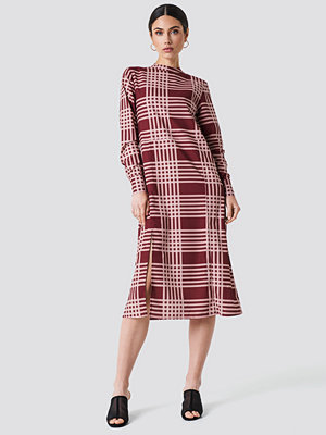 NA-KD High Neck Cut Line Midi Dress - Midiklänningar