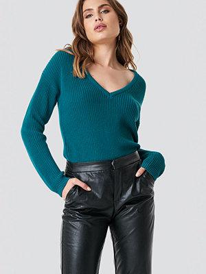 NA-KD Deep Front V-neck Knitted Sweater grön