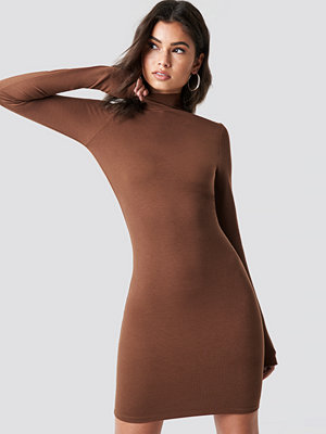 Nicki x NA-KD High Neck Bodycon Dress - Vardagsklänningar