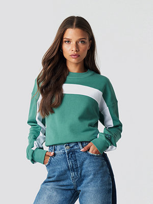 NA-KD Blocked Sleeve Sweatshirt grön