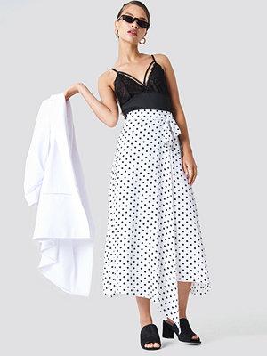 NA-KD Trend Wrap Over Tie Waist Midi Skirt - Midikjolar