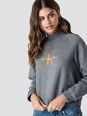 Calvin Klein Outline Monogram Rel Crew Neck